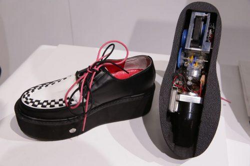 CES 2017 vacuum shoe by Denso