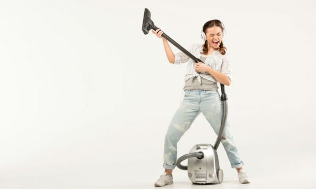Best Vacuums Under $200 – 3 Top Options for 2021